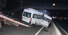 Kocaeli'de düğün dönüşü minibüs kazası: 1 ölü 17 yaralı