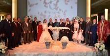 Abdullah Gül Kayseri'de nikah şahidi oldu