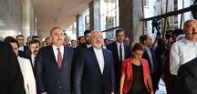 İran Dışişleri Bakanı bombalanan meclisi ziyaret etti