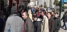 Rize'de 160 kişiye sağlanacak iş imkanı için uzun kuyruklar oluştu