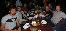 Fenerbahçeli futbolcular yemekte buluştu