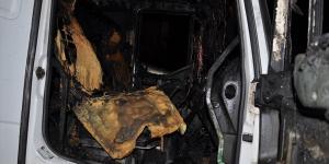 Yozgat'ta iki araç kundaklandı