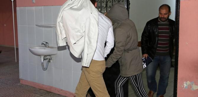Adana'da otomobilde uyuşturucu bulundu