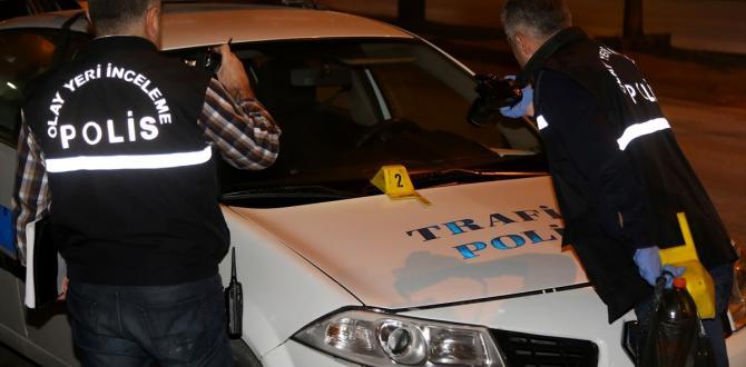 Bisikletini alan polislerin aracını yakmak istedi