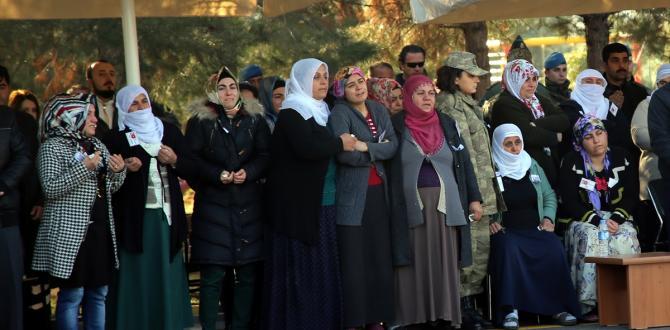 Diyarbakır'da şehit güvenlik korucusu için tören