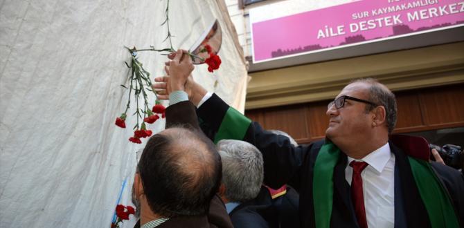Tahir Elçi ölümünün birinci yılında Diyarbakır'da törenle anıldı