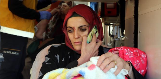 Eskişehir'de yolcu otobüsü ile kamyon çarpıştı: 13 yaralı