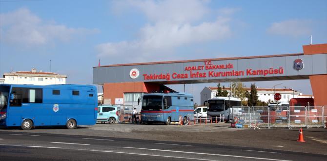 FETÖ tutukluları Tekirdağ'a getirildi
