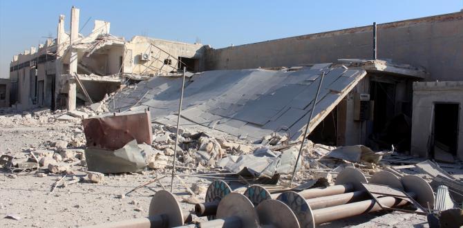 Halep'te ilaç fabrikası bombalandı
