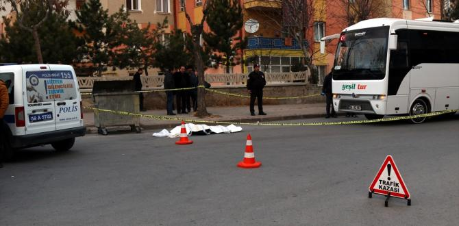 İndiği otobüsün altında kalan kadın öldü