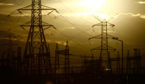 İran, Irak'ın elektriğini kesti!