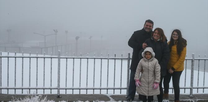 İzmir'e mevsimin ilk karı yağdı