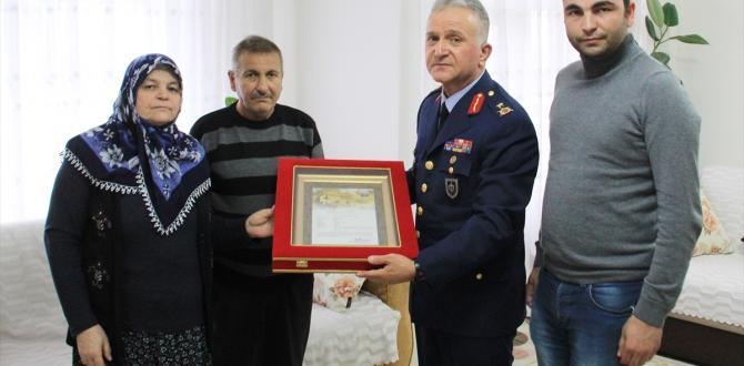 """Kütahya'da şehit ailesine """"Şehadet belgesi"""""""