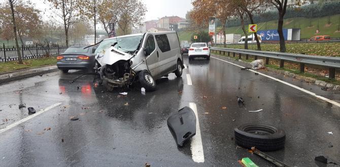 Minibüs ağaca çarptı: 1 yaralı
