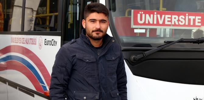 Rahatsızlanan yolcu hastaneye halk otobüsüyle götürüldü