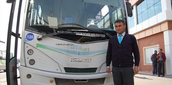 Rahatsızlanan yolcuyu otobüs ile hastaneye yetiştirdi