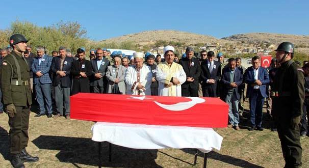 Şehit korucu Abdulkadir Bekler köyünde toprağa verildi