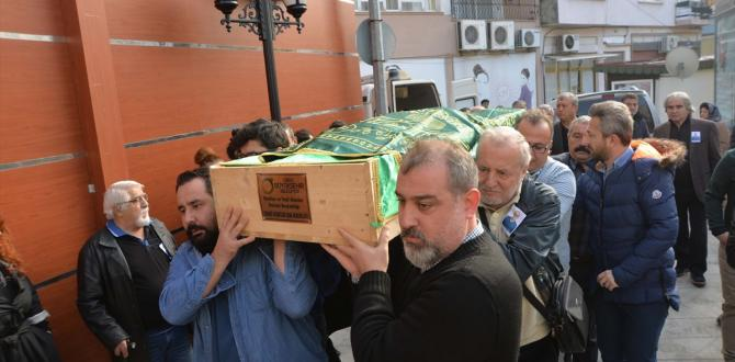 Tiyatro sanatçısı Münir Akça Ordu'da son yolcuğuna uğurlandı