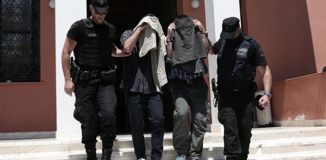 Yunanistan mahkemesi darbeci askerlerin iadesini reddetti