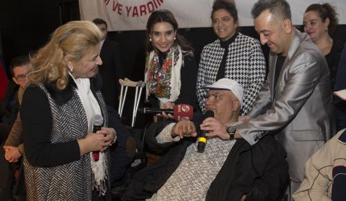 Başkentte engellilere akülü araç hediye edildi