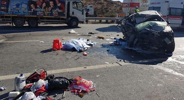 Ak Parti Mersin Milletvekili Yılmaz Tezcan trafik kazası geçirdi
