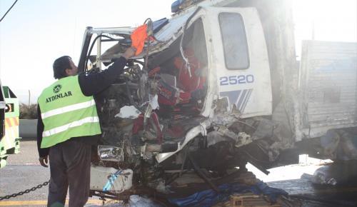 Ankara'da otomobil ile kamyon çarpıştı: 1 ölü, 1 yaralı