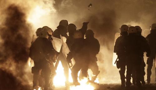 Atina'da polis kurşunuyla ölümün protestosunda 23 gözaltı