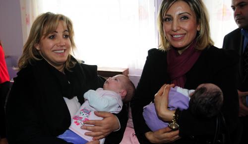 Bakan Soylu'nun eşi, Diyarbakır'da çocuk yuvasını ziyaret etti