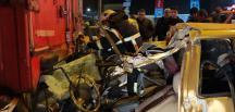 Bursa'da otomobil tıra çarptı: 1 ölü, 1 yaralı