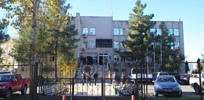Diyarbakır'da 2 belediye başkanı gözaltına alındı