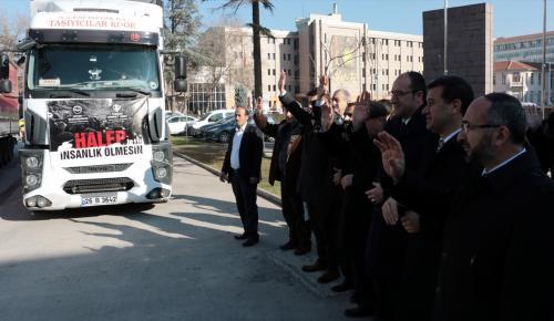 Eskişehir'den Suriye'ye 3 tır yardım malzemesi