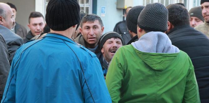 Şehit Uzman Çavuş Şahin'nin Afyonkarahisar'daki evine acı haber ulaştı