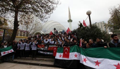 Lise öğrencilerinden Halep'e yardım