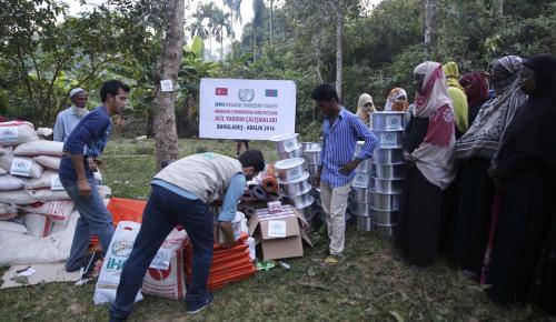 İHH'dan Rohingyalı Müslümanlara yardım eli
