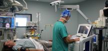 İzmir'de navigasyon yardımıyla beyin ameliyatı