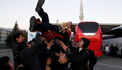 Kahramanmaraş'ta asker adaylarına emzikli uğurlama