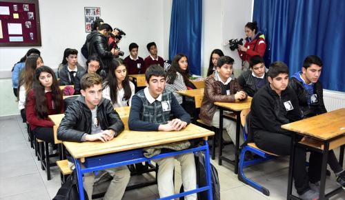 Kaza ölen lise öğrencisi Değirmen'in sınıfında tören