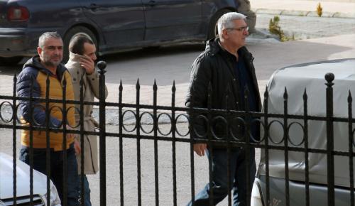 Kiraladıkları otomobilleri satmaya çalışan 4 kişi yakalandı
