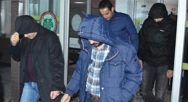 Konya'da 14 subay ve astsubay tutuklandı