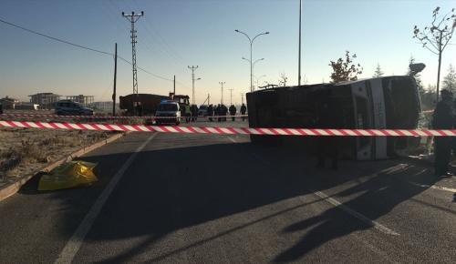 Konya'da öğrenci servisi ile kamyon çarpıştı: 1 ölü 13 yaralı