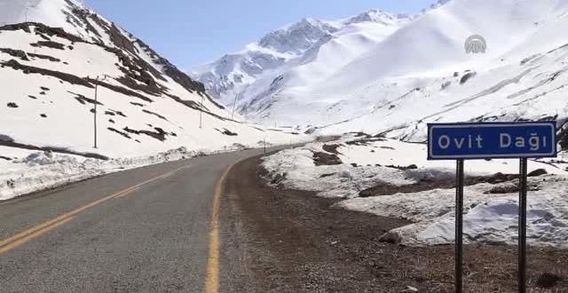 Ovit Dağı çığ tehlikesi nedeniyle ulaşıma kapatıldı