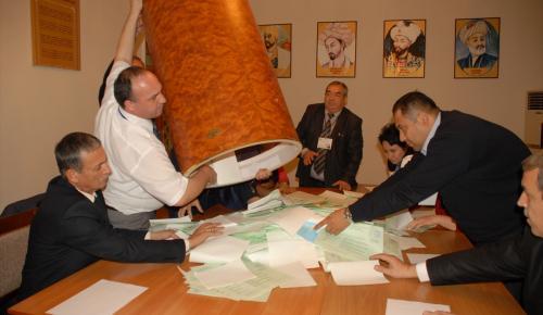 Özbekistan'da cumhurbaşkanı seçimi