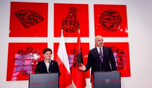 Polonya Başbakanı Szydlo Arnavutluk'ta