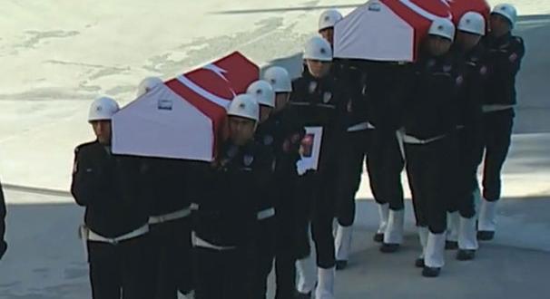 Şehitler için ilk tören İstanbul Emniyeti'nde düzenlendi