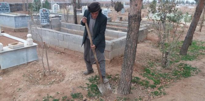 Suruç'ta ilk kez mezarlıklar temizlendi
