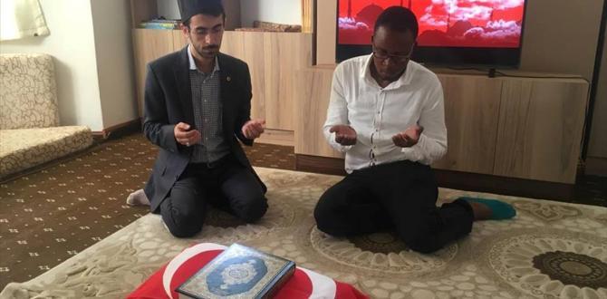 Türkiye'den etkilenen Afrikalı genç İslamiyet'i seçti