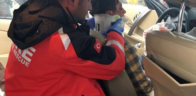 Uşak'ta trafik kazası : 9 yaralı
