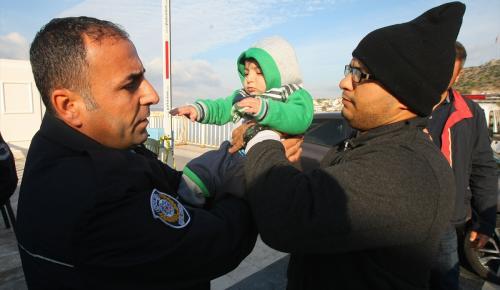 Yunanistan'a geçmeye çalışan 115 göçmen yakalandı