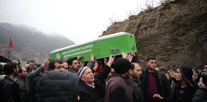 Adana'nın Aladağ ilçesinde özel öğrenci yurdunda çıkan yangında hayatını kaybedenlerin cenaze törenlerine ilişkin haberlerimizi derleyerek yeniden yayımlıyoruz. Saygılarımızla.AA