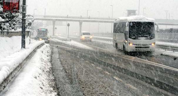 İstanbul'da kar esareti devam ediyor